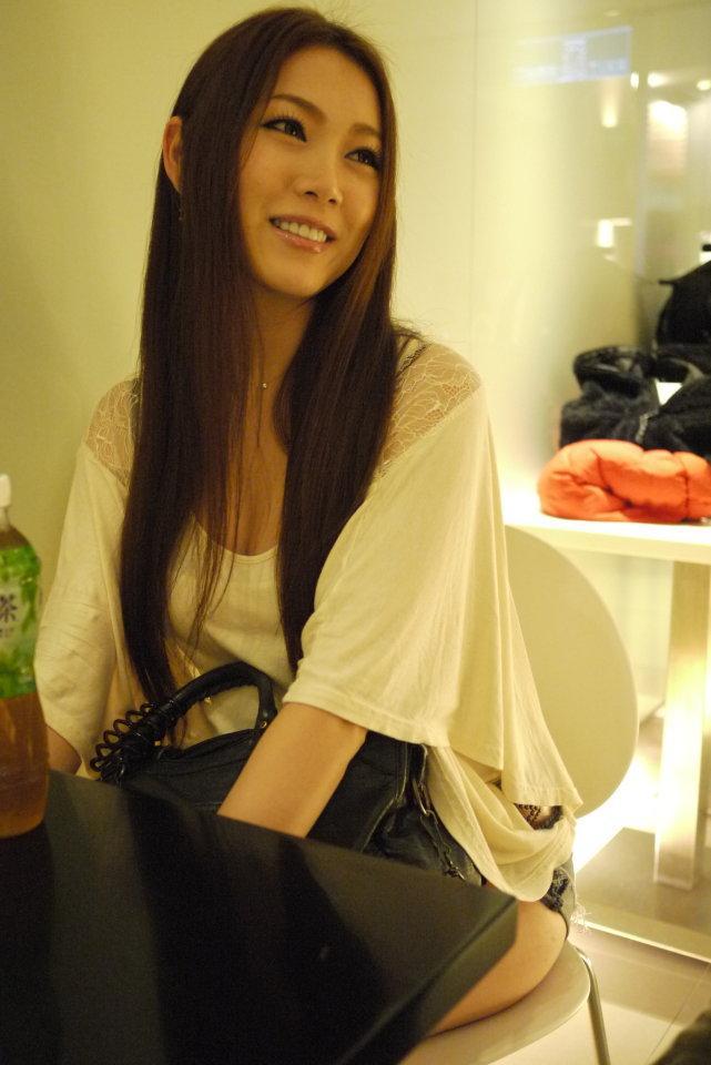 生存以上,生活以下:2010-2011,关注小川あさ美的10个理由