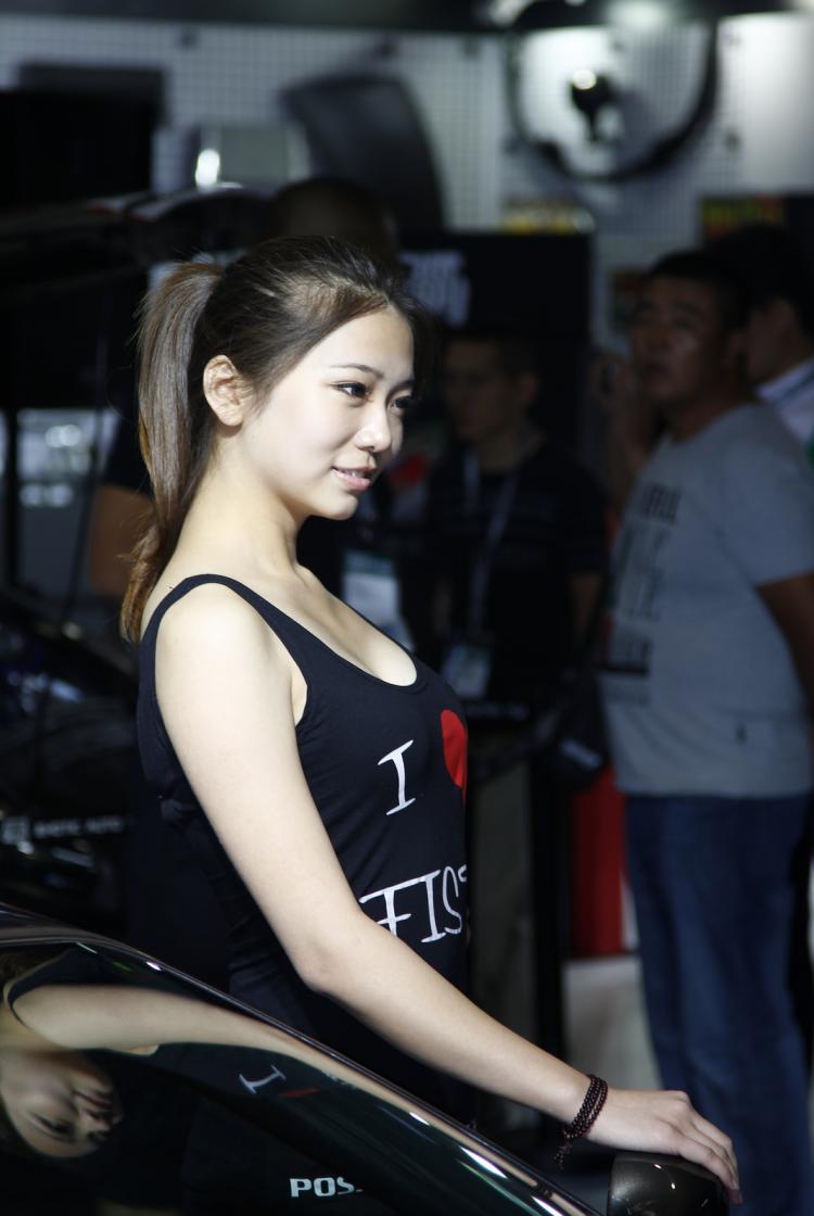 2011中国国际汽车零部件博览会暨改装车展现场,撸点自己找 beifen1